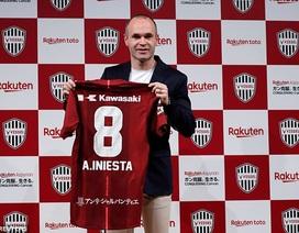 Iniesta rạng rỡ ra mắt CLB mới