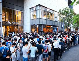 Lần đầu tiên có smartphone khiến người ta xếp hàng đông hơn cả iPhone
