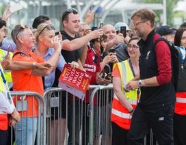 Liverpool được chào đón như những người hùng khi đổ bộ xuống Kiev