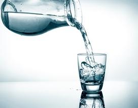 Uống nhiều nước: Tạo phong độ đỉnh cao hay gây phù não?