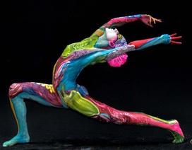 """Người mẫu """"body-painting"""" và diễn biến cảm xúc trong một ngày làm việc"""
