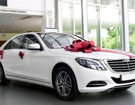 Đại gia ô tô Việt bất ngờ được biếu tặng loạt xe sang tiền tỷ