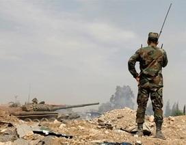 """Bất chấp cảnh báo của Mỹ, chiến trường Syria lại sắp """"đỏ lửa""""?"""