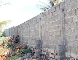 Phú Yên: Người dân phản ứng vì dự án du lịch xây tường rào cao 3m chắn lối đi!