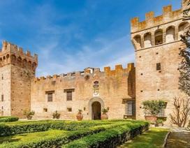 Chiêm ngưỡng tòa lâu đài 600 năm tuổi tuyệt đẹp tại Ý