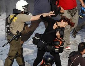 Những khoảnh khắc đối mặt tử thần của phóng viên quốc tế