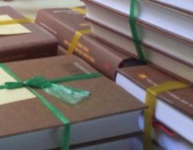 """Cảnh báo nạn mạo danh cán bộ """"ép"""" doanh nghiệp mua sách"""