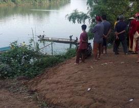 Bé gái chết trên sông, nghi tự vẫn vì chuyện học hành