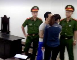"""Tử tù Thọ """"sứt"""" hôn trộm bạn gái cũ sau giờ tuyên án"""