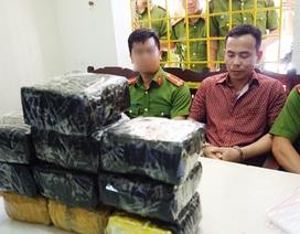 Cảnh sát bắn chỉ thiên bắt đối tượng mua bán 10kg ma túy đá