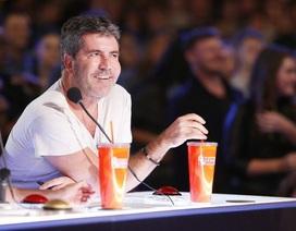 """Ông trùm giải trí """"Got Talent"""" không dùng điện thoại suốt một năm nay"""