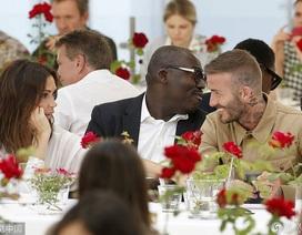 David Beckham nhìn vợ đắm đuối sau tin đồn ly dị