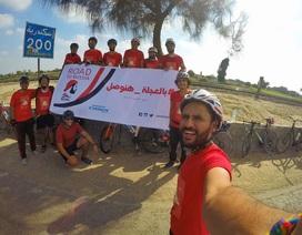 Chàng trai đạp xe từ Ai Cập sang Nga suốt 2 tháng để xem World Cup