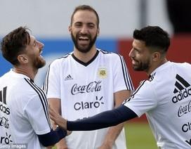 Messi cười tươi rói trong buổi tập đầu tiên trên đất Nga