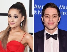 Rộ tin Ariana Grande đính hôn với bạn trai sau 1 tháng hò hẹn