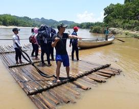 Đề xuất xây cầu nơi học sinh chênh chao bè nứa qua sông tìm con chữ