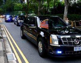 """Ông Trump khoe xe """"Quái thú"""" với ông Kim Jong-un"""