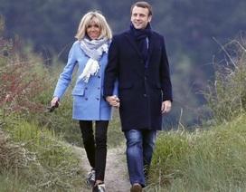 """Chuyện tình """"đôi đũa lệch"""" của đệ nhất phu nhân Pháp qua lời kể của con gái"""