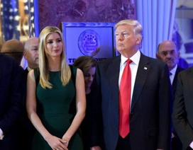 Tổng thống Trump bị kiện vì quỹ từ thiện