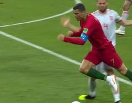 C.Ronaldo có ăn vạ hay không ở tình huống được hưởng phạt đền?