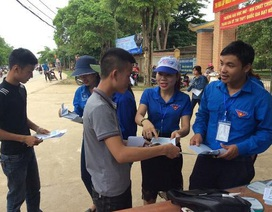 """Hà Tĩnh: Gần 1.300 tình nguyện viên """"tiếp sức"""" cho các sĩ tử"""