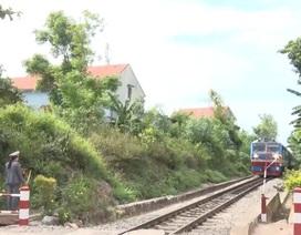 Vụ tàu hỏa dừng khẩn cấp: Kỷ luật nữ nhân viên gác chắn đau bụng