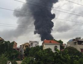 Hà Nội: Chợ Sóc Sơn bốc cháy dữ dội lúc rạng sáng