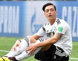 """Nội bộ đội tuyển Đức """"dậy sóng"""", cầu thủ yêu cầu """"trảm"""" Ozil"""