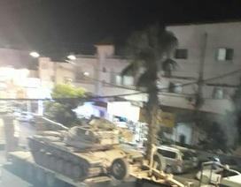 Xe tăng Jordan rầm rập tiến sát biên giới Syria trong đêm