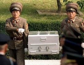 """Mỹ """"đau đầu"""" việc nhận dạng hài cốt binh sĩ được Triều Tiên trao trả"""