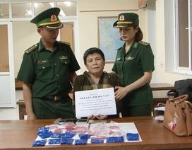 """""""Nữ quái"""" qua Lào mang 4.800 viên ma túy về Việt Nam"""