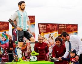 Đồng đội tổ chức sinh nhật cho Messi trước trận đấu với Nigeria