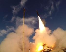 Israel phóng tên lửa vào sân bay Syria