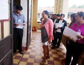Nữ thí sinh U30, U50 vẫn đi thi THPT quốc gia