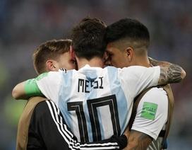 """Niềm vui vỡ òa của Messi khi Argentina thoát """"lưỡi hái tử thần"""""""