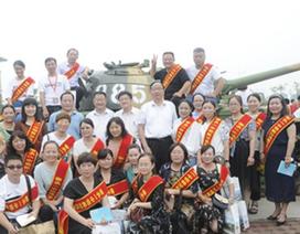 Trường học Trung Quốc gây tranh cãi vì mua xe tăng để khích lệ học sinh