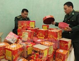 """Pháo hoa nổ của Trung Quốc """"lách luật"""" tuồn vào Việt Nam"""