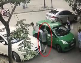 """Hà Nội: Khởi tố vụ án tài xế taxi Mai Linh bị """"choảng"""" gạch"""