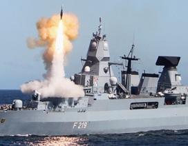 Tàu khu trục Đức suýt nổ tung vì sự cố phóng tên lửa
