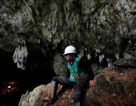Thoát chết thần kỳ từ hang 13 cầu thủ Thái Lan đang mắc kẹt