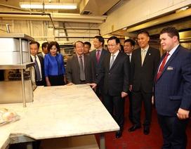 Phó Thủ tướng thăm nơi Bác Hồ làm việc ở Mỹ 100 năm trước
