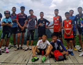 Hé lộ lý do đội bóng Thái Lan vào hang bất chấp cảnh báo nguy hiểm