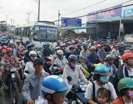 Quốc lộ ùn tắc nghiêm trọng sau một vụ tai nạn giao thông