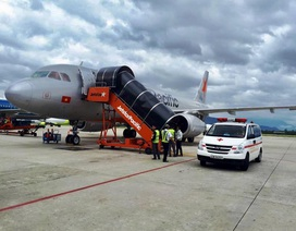 Máy bay đi Đà Lạt hạ cánh khẩn cấp ở Đà Nẵng vì khách ngất xỉu