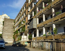 """Lời khẩn cầu của hàng chục hộ dân """"sống mòn"""" trong chung cư cũ"""