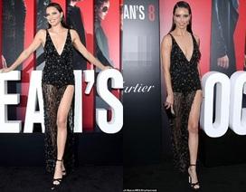 Adriana Lima khoe chân dài miên man