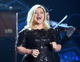 Bất ngờ với hình ảnh nữ ca sĩ Kelly Clarkson giảm... 18kg