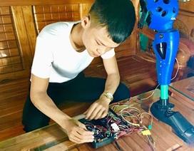 Nam sinh Hà Tĩnh chế tạo chân robot cho người khuyết tật