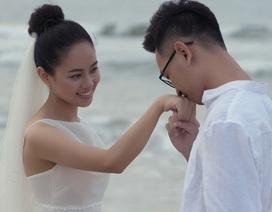 Ca sĩ Hoàng Quyên bất ngờ kết hôn với bạn trai kiến trúc sư