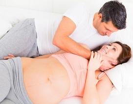 """Những hiểu lầm thường gặp về """"chuyện ấy"""" khi mang thai"""